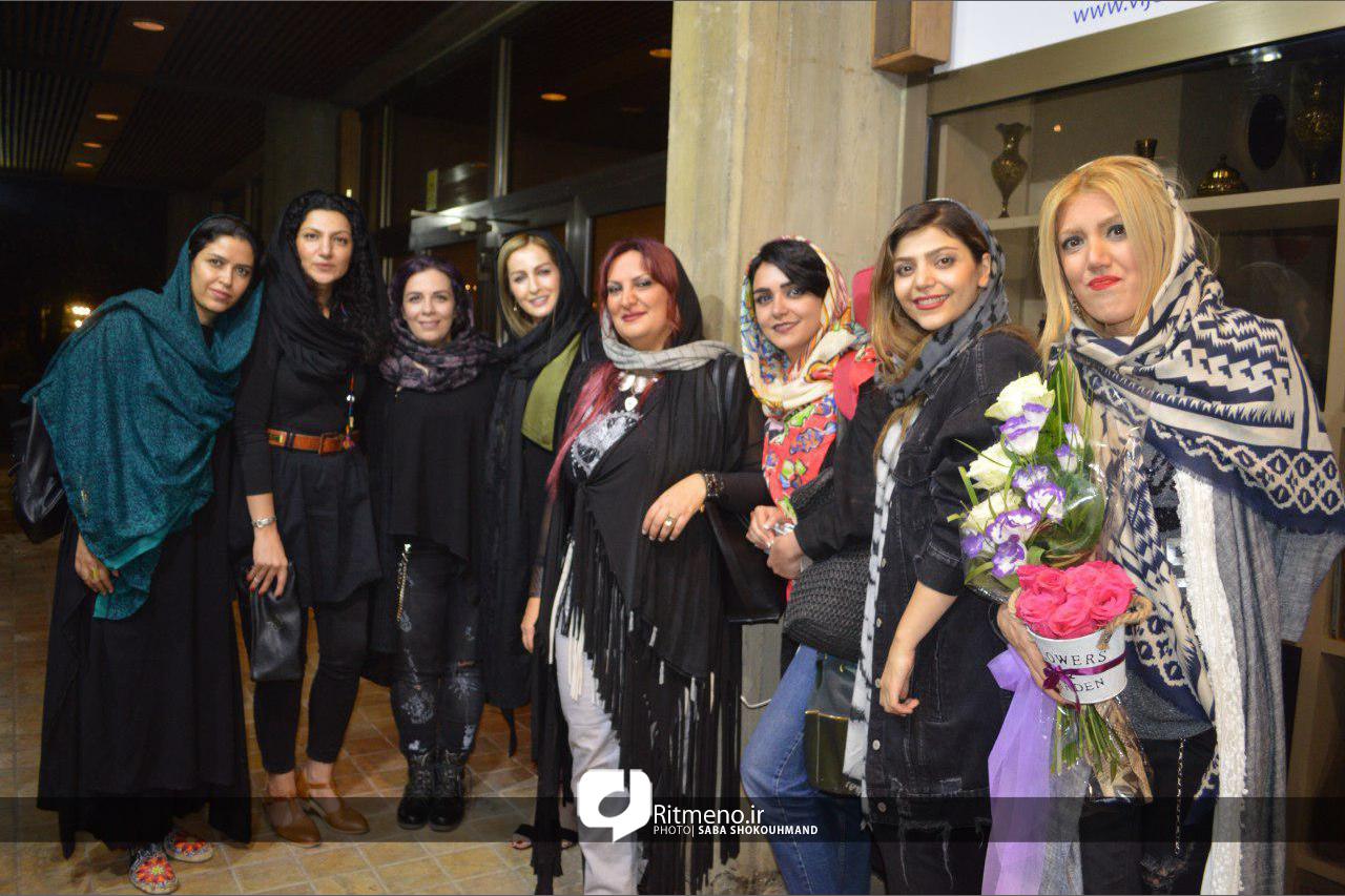 آوازخوانی زنان کفش آهنی در نیاوران/ لالایی برای مادران ایران